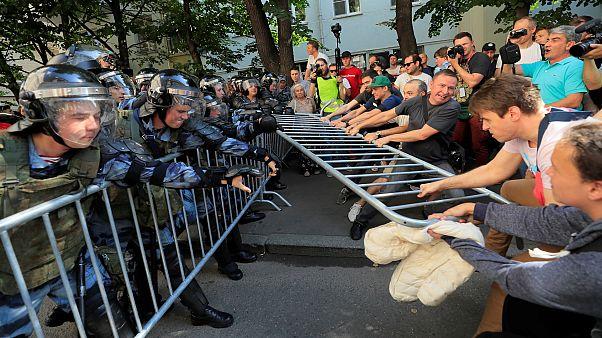 """Repressão de """"manif"""" em Moscovo"""