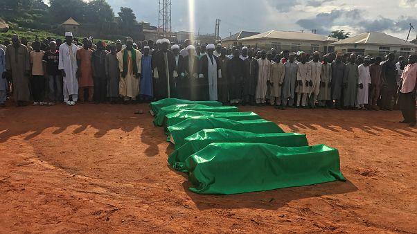 Nijerya'da cenaze törenine saldırı: En az 65 ölü