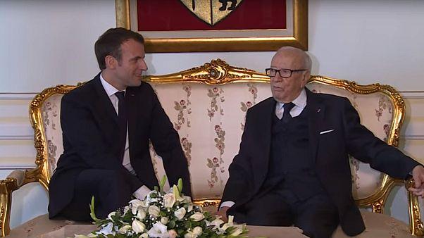 ماكرون في رثاء الرئيس التونسي الراحل : أعتبر نفسي أحد أبناء السبسي.. تعلمت منه الكثير