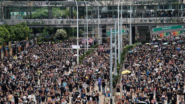 شاهد: استمرار الاحتجاجات في هونغ كونغ وسط مخاوف من تصاعد أعمال العنف