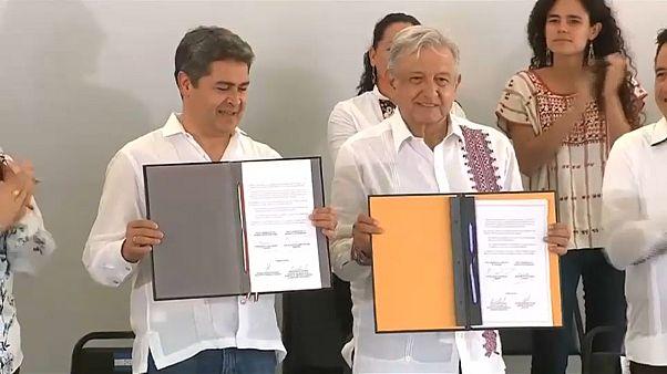 México concede 30 millones de dólares a Honduras para frenar la migración