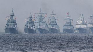 День ВМФ: Путин принял главный парад