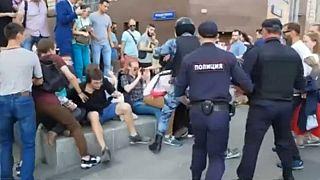 Quase 1400 pessoas detidas num protesto em Moscovo