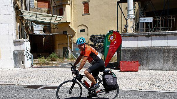 O ciclista português, Filipe Gaivão, à chegada a Lisboa