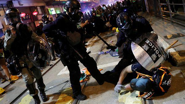 Duros enfrentamientos y decenas de detenidos en Hong Kong