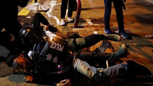 Meia centena de detidos em Hong Kong