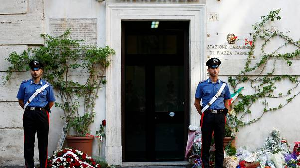 La conmoción da paso al estupor tras el oscuro asesinato de un carabinere en Roma