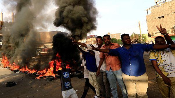 تجمع المهنيين السودانيين يدعو لاحتجاجات في عموم البلاد بعد مقتل تلاميذ بالرصاص
