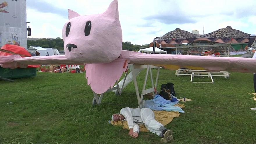 Watch: Homemade aircrafts fall with style at the Flugtag competition