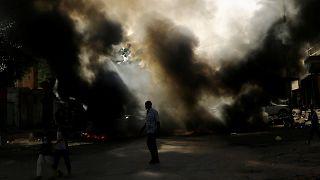 Sudan'ın başkenti Hartum'da düzenlenen asker karşıtı gösteriler devam ediyor