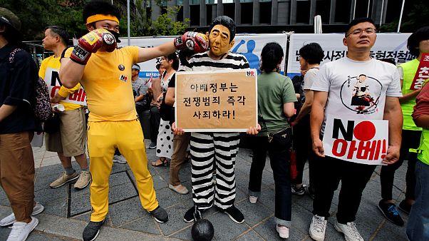 تشدید تنش تاریخی میان ژاپن و کره؛ امیدها به دیدار آبه و مون بسته شد