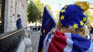 Hızlanan anlaşmasız Brexit hazırlıkları İngiliz Sterlini'ni vurdu