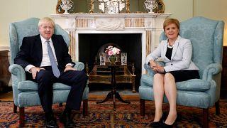 """La líder de Escocia, Nicola Sturgeon, califica de """"peligrosos"""" los planes de Johnson sobre el Brexit"""