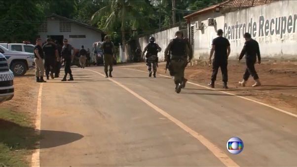 Al menos 52 muertos tras un enfrentamiento entre bandas rivales en una cárcel brasileña