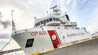 Судьба мигрантов с судна Gregoretti