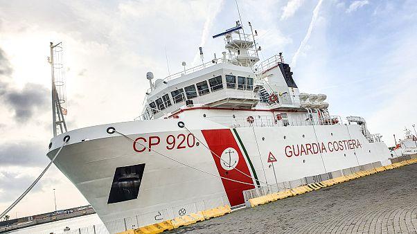 Le Gregoretti toujours bloqué dans le port d'Augusta, en Sicile.