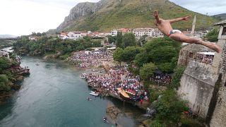 Lélegzetelállítóan ünnepelték a mostari hidat