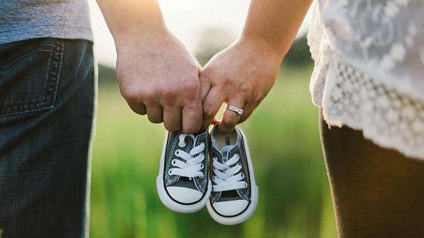 مجارستان به زوجهایی که سه بچه بیاورند ۳۰ هزار یورو میدهد
