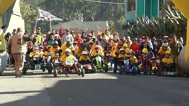 مسابقات کارتینگ کودکان در لاپاز بولیوی