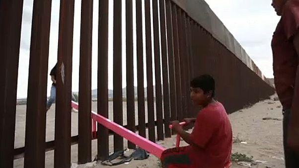 Balancés animam muro na fronteira EUA-México
