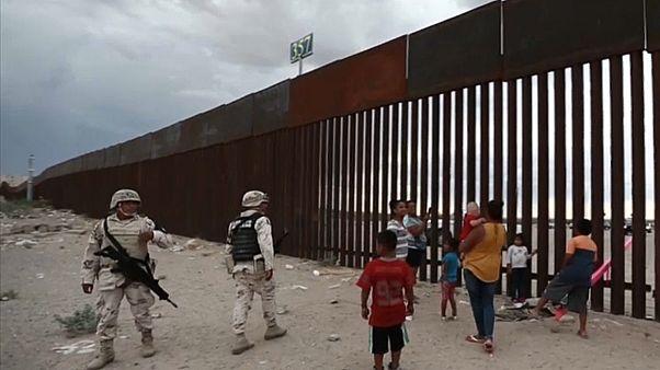 """Trumps Mexiko-Grenzzaun """"verschaukelt"""""""