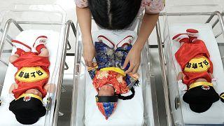 Dünyanın en kalabalık ülkesi Çin'de üç çocuğa izin çıkıyor