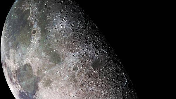 Τελικά πόσο χρονών είναι η Σελήνη;