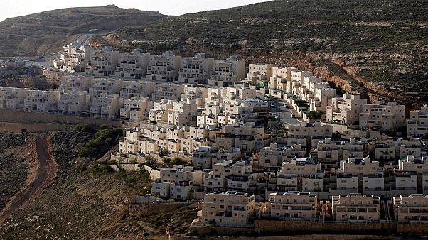 İşgal altındaki Batı Şeria'da bir Yahudi yerleşim birimi