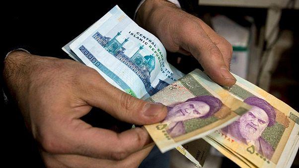İran'da hükümet paradan 4 sıfır atılmasını yeni isminin de Tümen olmasını onayladı