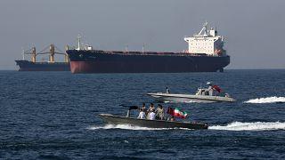 نشست منامه علیه تهران همزمان با خشنودی ابوظبی از سفر مقامهای امارات به ایران پس از ۶ سال