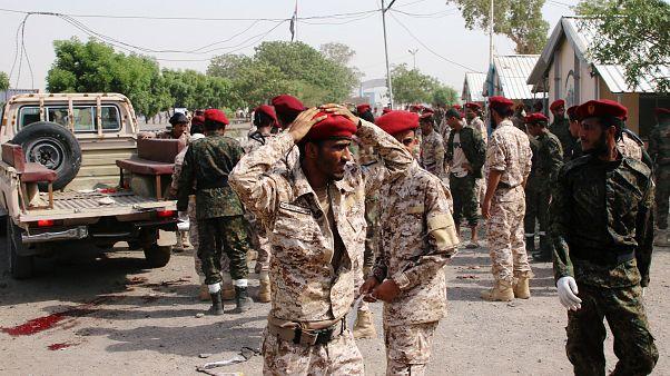 Ataque mortal em parada militar no Iémen
