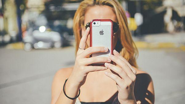 Yaya cep telefonu kullanıcıları, kazalara davetiye çıkarıyor