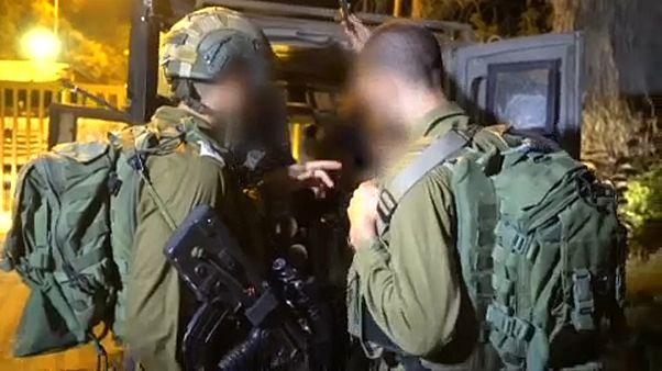 Három izraeli katonát megsebesített egy palesztin férfi, a támadót lelőtték