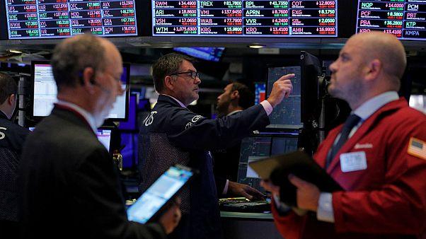 کاهش نرخ بهره آمریکا؛ حرکت معکوس دلار در بازار جهانی و ایران