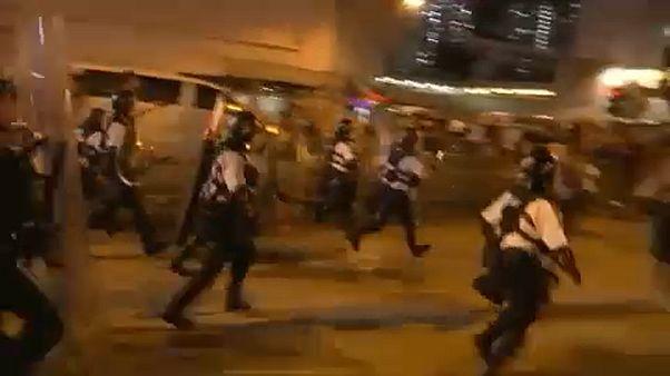 Hongkong: Kína katonai beavatkozással fenyeget