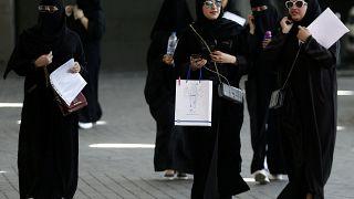 """Le donne saudite potranno viaggiare senza il permesso del """"guardiano maschio"""""""