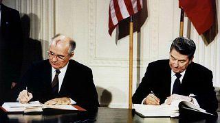 Подписание ДРСМД в ВАшингтоне 8 декабря 1987 года.