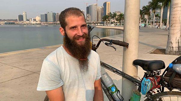 Ciclista grego tenta volta ao Mundo em bicicleta