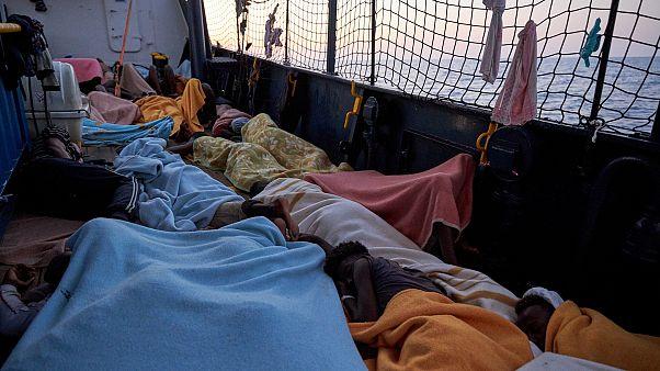 Újabb menekülteket mentettek ki a tengerből
