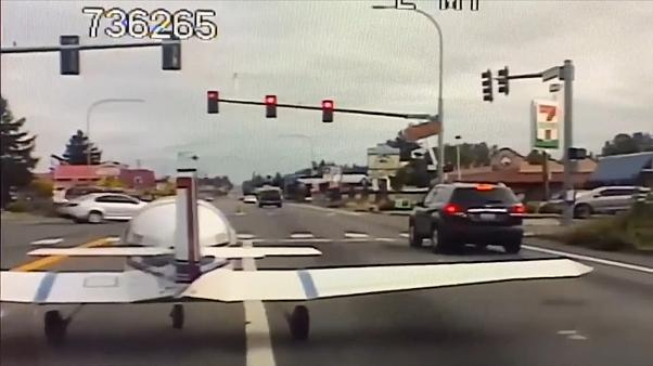 Small plane lands on road in Washington state