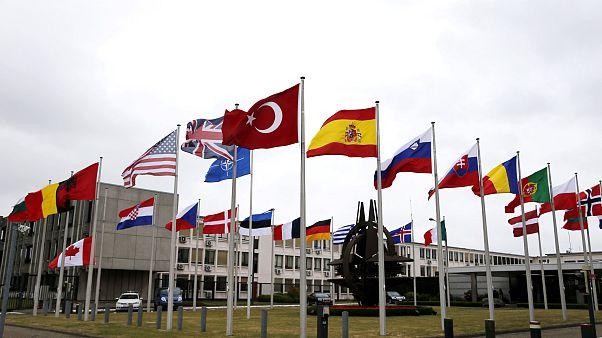 NATO üye ülkelerinin bayrakları