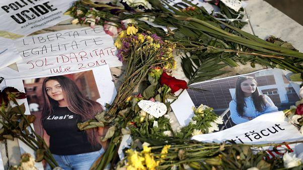 A belügyminiszter után az oktatási miniszter is belebukott a romániai gyilkossági ügybe
