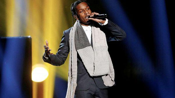 El rapero estadounidense ASAP Rocky vuelve a casa tras tres días de juicio