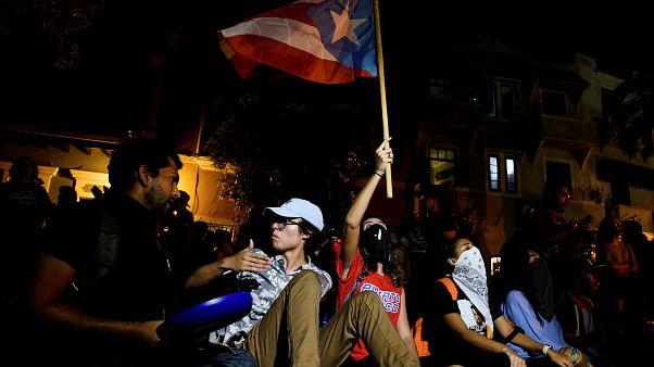 Puerto Rico: Neuer Gouverneur vereidigt - Hunderte protestieren