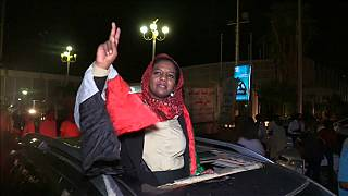 Militares e oposição chegam a acordo para transição de poder