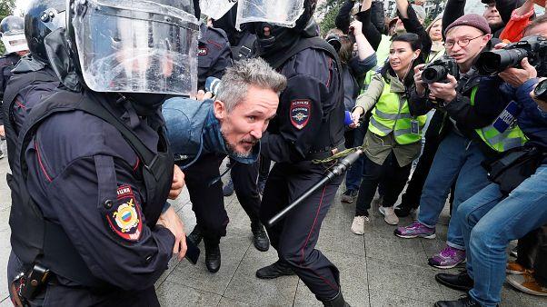 Russland: Hunderte Oppositionelle bei Demonstration festgenommen