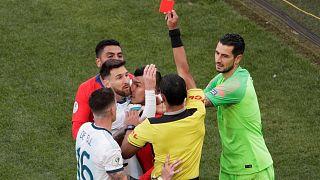 Messi piros lapot kap a Chile elleni meccsen