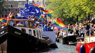 Ámsterdam se tiñe de multicolor para celebrar el orgullo gay