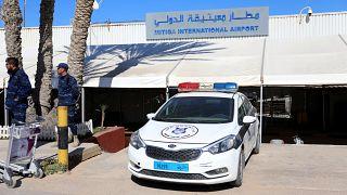 عودة الملاحة الجوية في مطار معيتيقة الليبي بعد تعرضه لقصف جوي