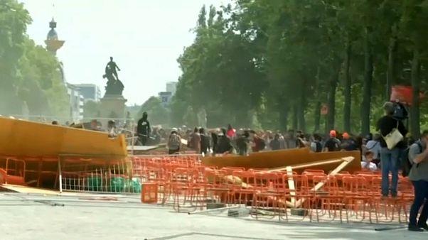 درگیری پلیس فرانسه با معترضان شهر نانت در مراسم بزرگداشت استیو کانسیو